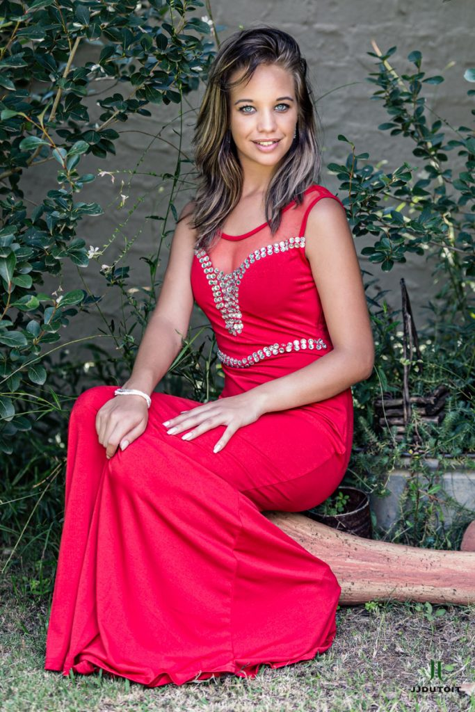 Female Model photo shoot at the Riverplaas Wedding Venue in Meyerton which is situated in the Vaal Triangle